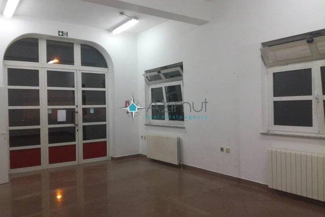 Commercial Property, 68 m2, For Rent, Rijeka - Donja Drenova