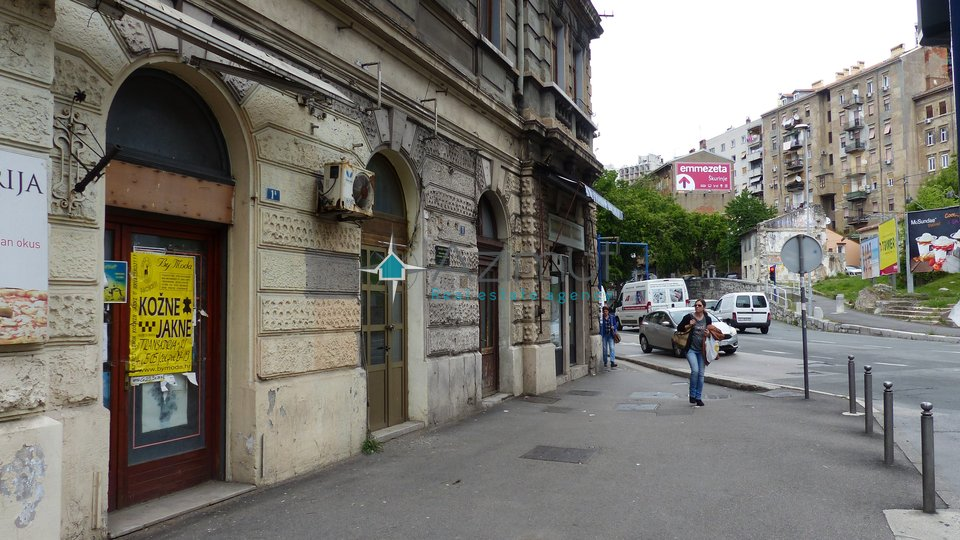 Commercial Property, 28 m2, For Rent, Rijeka - Centar