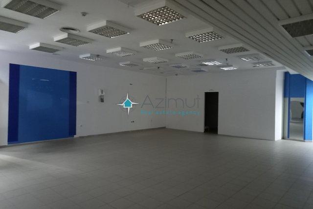 Poslovni prostor u centru grada 88m2-najam