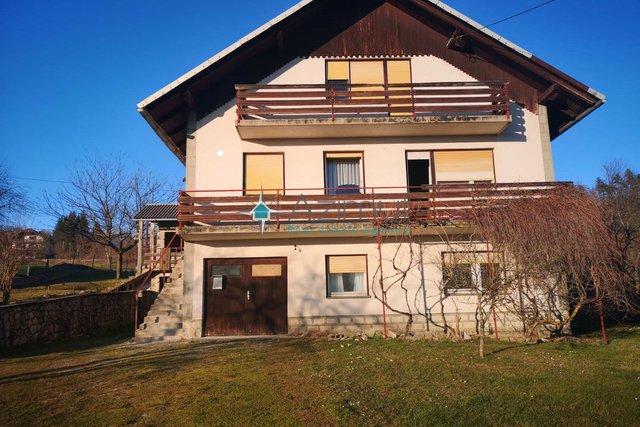 Brod Moravice, samostojeća kuća, 270 m2 + okućnica 900 m2