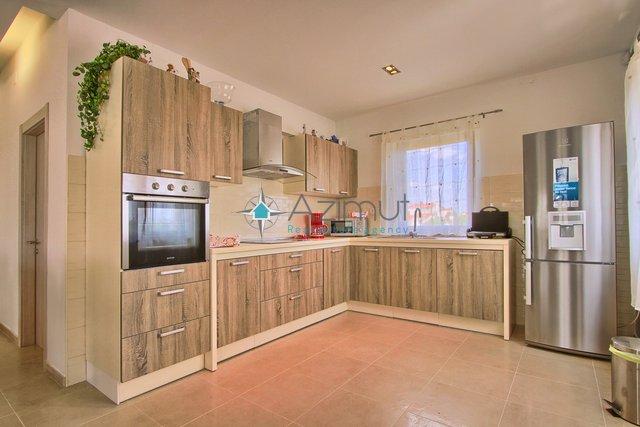 House, 295 m2, For Sale, Svetvinčenat - Štokovci