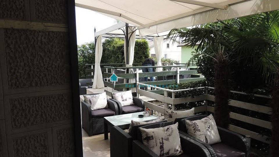 Commercial Property, 136 m2, For Sale, Rijeka - Zamet