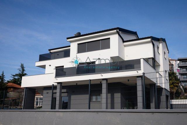 House, 394 m2, For Sale, Rijeka - Zamet