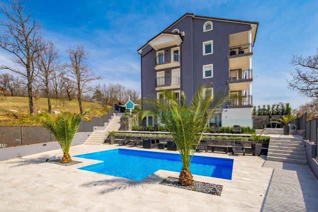 Rijeka, Viškovo, 2S+DB, 84 m2, moderno uređen stan!