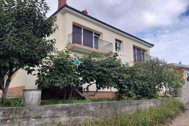 Hiša, 294 m2, Prodaja, Matulji