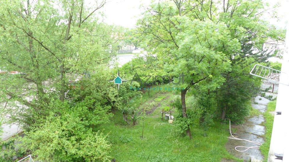 Grobnik, Dražice, kuća, 400 m2, sa okućnicom