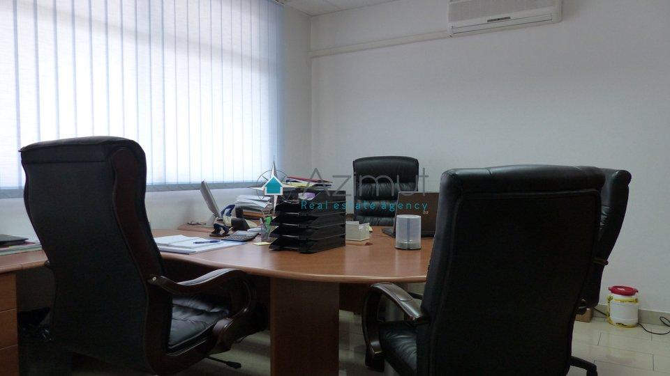 Zamet, poslovni prostor, 75 M2