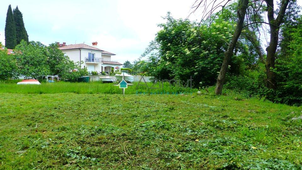 Lovran, Oprić, građevinsko zemljište, 2080 m2