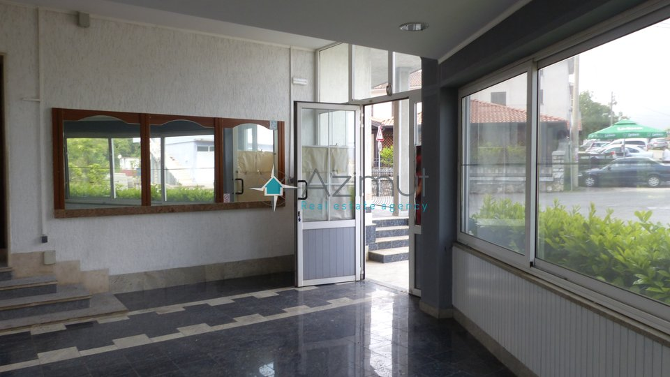 House, 600 m2, For Sale, Viškovo - Saršoni
